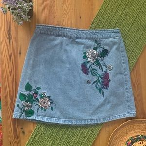 H&M COACHELLA Embroidered high waist denim skirt